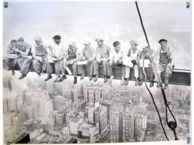 Kunstdruck Mittagessen auf einem Wolkenkratzer 1932 81 X 6..