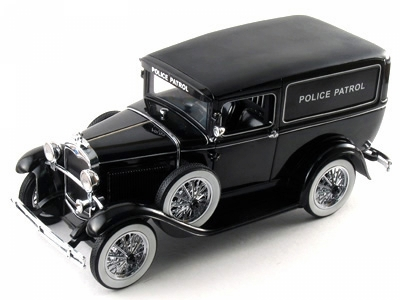 Ford Panel Police Patrol Car 1:18