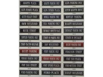 ABARTH PLAZA Schrift WEISS Hintergrund BLAU Grösse 33 x 8 cm gekrümmt